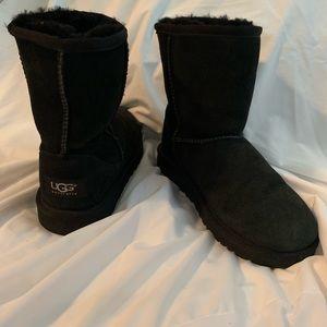 UGG Classic Short Shearling Boots